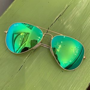 Green Mirror Ray Ban Sunglasses
